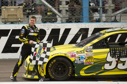 O vencedor Carl Edwards, Roush Fenway Racing Ford comemora