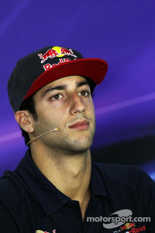 Daniel Ricciardo, Scuderia Toro Rosso, na Conferência de Imprensa da FIA