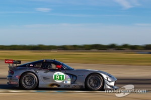 #91 SRT Motorsports SRT Viper GTS-R: Ryan Dalziel, Dominik Farnbacher, Marc Goossens