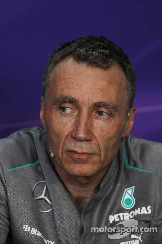 Bob Bell,  Diretor Técnico da Mercedes AMG F1, na Conferência de Imprensa da FIA