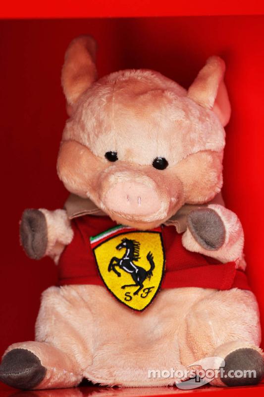 Mascote de Porco da Ferrari