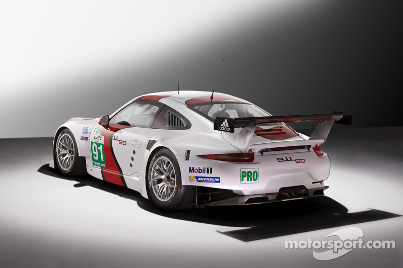 Презентация Porsche 911 RSR, студийная фотосессия.
