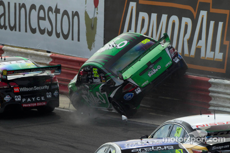 Zware crash voor David Reynolds, The Bottle O Racing