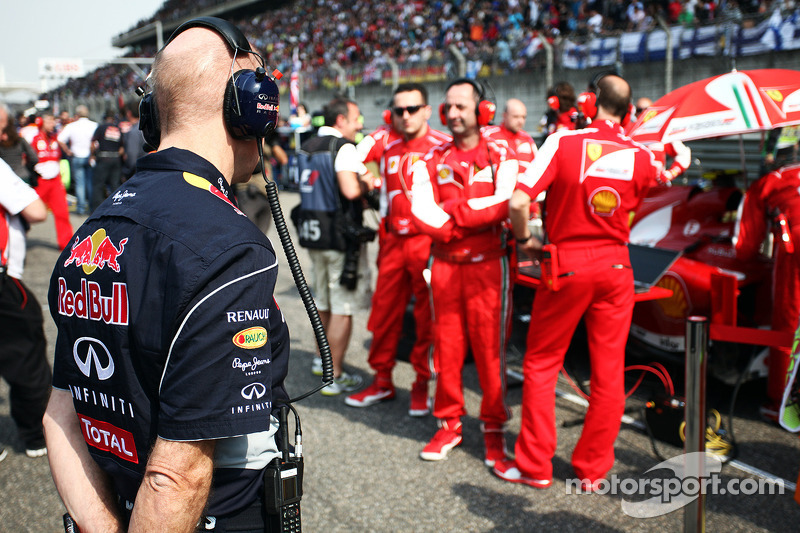 Adrian Newey, Red Bull Racing Chief Technical Officer op de grid