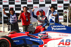 Victory circle: race winner Takuma Sato, A.J. Foyt Enterprises Honda