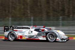 #1 Audi Sport Team Joest Audi R18 e-tron quattro Hybrid: Andre Lotterer, Benoit Tréluyer, Marcel Fässler