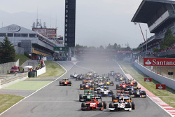 Race start: Stefano Coletti leads