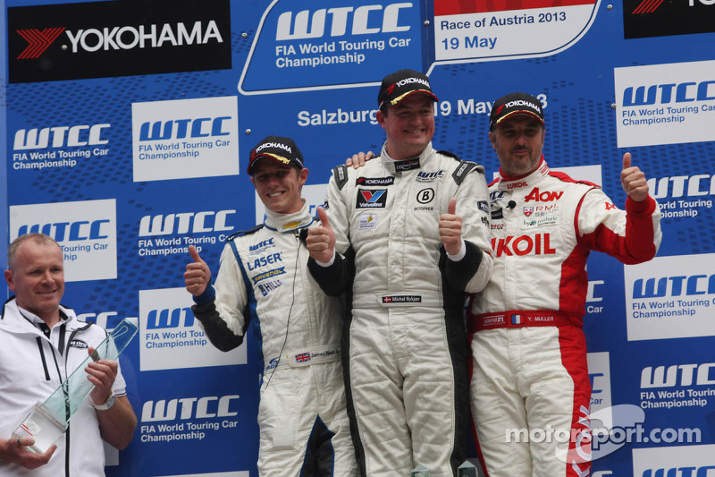 1e plaats Michel Nykjaer, Chevrolet Cruze 1.6T, Nika Racing, 2e plaats voor James Nash, Chevrolet Cruze 1.6T, RML