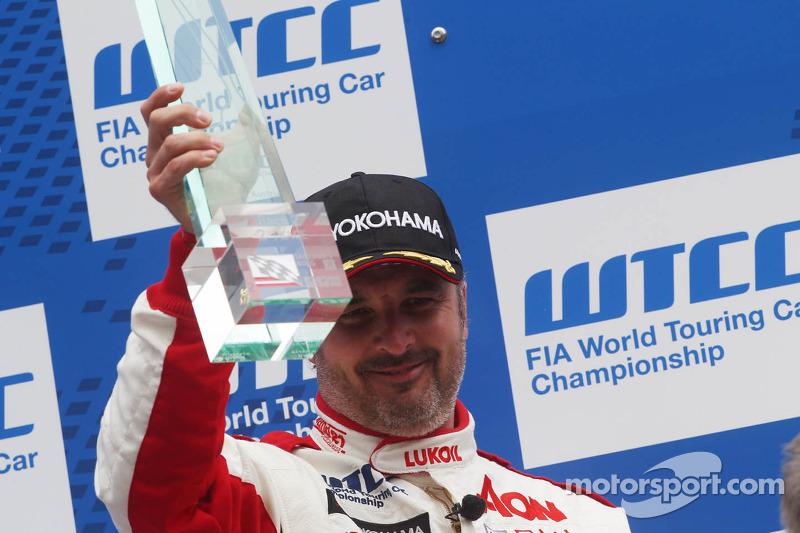2e plaats Yvan Muller, Chevrolet Cruze 1.6T, RML