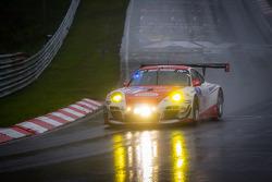 #11 Frikadelli Racing Team Porsche 997 GT3 R (SP9): Klaus Abbelen, Sabine Schmitz, Patrick Huisman, Patrick Pilet