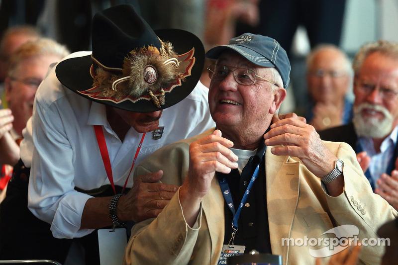 Richard Petty congratulates Maurice Petty