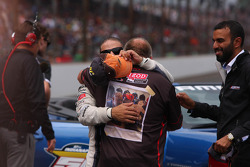 Ganador de la carrera Tony Kanaan, KV Racing Technology Chevrolet celebra