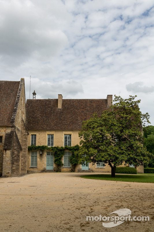 Abbaye de l'Epau estralando o cartaz