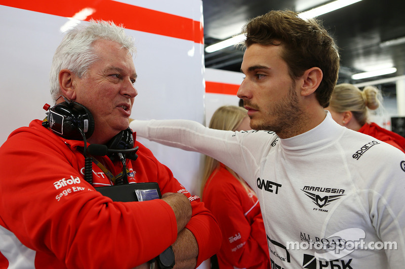 Pat Symonds, Marussia F1 Team Technical Consultant with Jules Bianchi, Marussia F1 Team