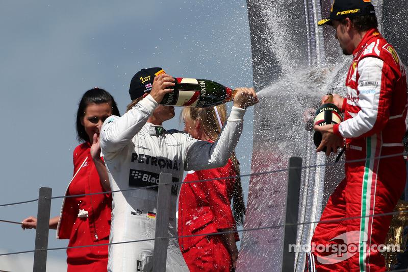 Nico Rosberg, Mercedes GP and Fernando Alonso, Scuderia Ferrari