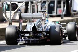 Esteban Gutierrez, Sauber C32 com pintura fluxo-vis sobre o difusor traseiro