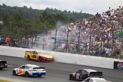 Crash for Joey Logano, Penske Racing Ford