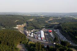 Race action from above