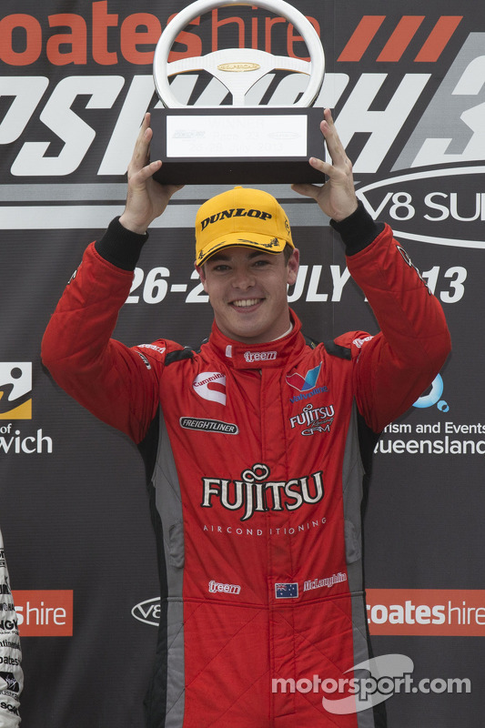 Race winner Scott McLaughlin, Team Fujitsu