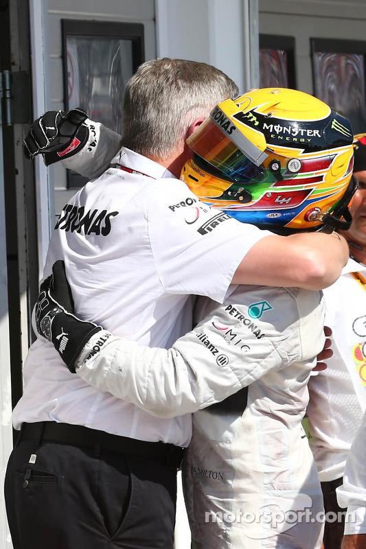 Ross Brawn, chefe da equipe Mercedes AMG F1 e Lewis Hamilton, Mercedes AMG F1
