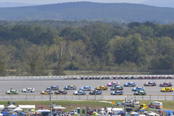 Дейл Эрнхардт-мл., Hendrick Motorsports Chevrolet и Брэд Кеселовски, Team Penske Ford