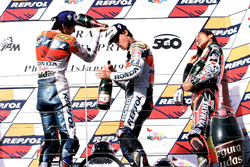 Podium: 1. Alex Criville, Repsol Honda Team; 2. Takuma Aoki, Repsol Honda Team; 3. Norick Abe, Yamaha