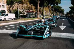 Nelson Piquet Jr., Jaguar Racing leads Sébastien Buemi, Renault e.Dams