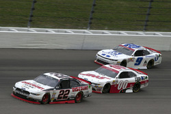 Ryan Blaney, Team Penske Ford, Cole Custer, Stewart-Haas Racing Ford