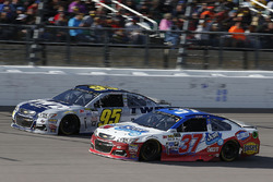 Chris Buescher, JTG Daugherty Racing Chevrolet Michael McDowell, Leavine Family Racing Chevrolet