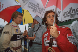 В ожидании старта: Ален Прост, McLaren, и Тьерри Бутсен, Williams