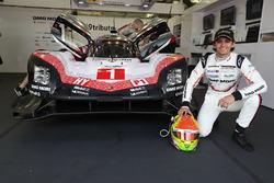 #1 Porsche Team Porsche 919 Hybrid: Пьетро Фиттипальди