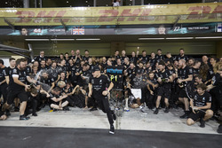 Toto Wolff, Executive Director Mercedes AMG F1, Race winner Valtteri Bottas, Mercedes AMG F1, his wife Emelia, Second place Lewis Hamilton, Mercedes AMG F1, the Mercedes team are celebarting