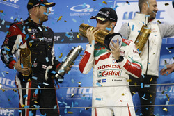 Podio: Ganador de la carrera Esteban Guerrieri, Honda Racing Team JAS, Honda Civic WTCC