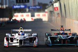 Nick Heidfeld, Mahindra Racing, y Mitch Evans, Jaguar Racing