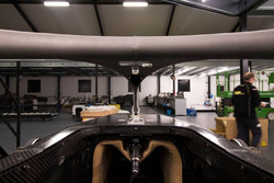 Pengiriman mobil MP Motorsport