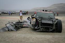 Разбитая машина #310 X-Raid Team Mini: Брайс Мензис, Питер Мортенсен