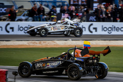 Juan Pablo Montoya et Ryan Hunter-Reay pilotent l'Ariel Atom Cup