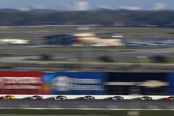 Joey Logano, Team Penske Ford Fusion, Denny Hamlin, Joe Gibbs Racing Toyota, Alex Bowman, Hendrick Motorsports Chevrolet Camaro