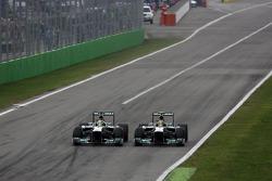 Nico Rosberg, Mercedes GP y Lewis Hamilton, Mercedes Grand Prix