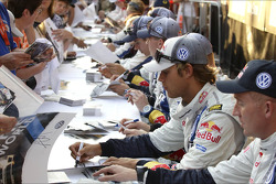 Autograph session