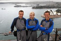 Kris Meeke, Evgeny Novikov et Sébastien Ogier sur le Sydney Harbour bridge