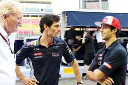 Ron Walker, presidente de la Corporación del GP de Australia con Mark Webber, del Red Bull Racing y Daniel Ricciardo, de Scuderia Toro Rosso