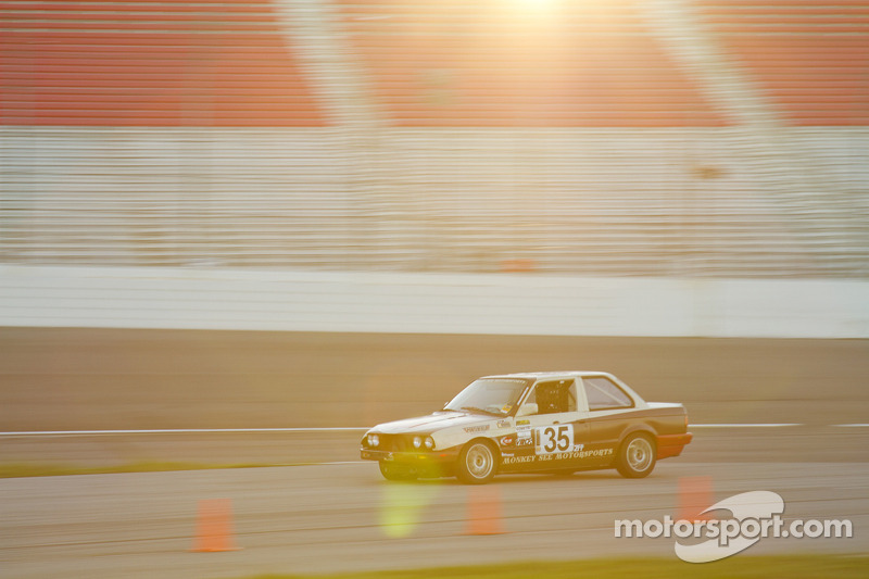 #35 BMW 325is
