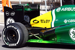 Caterham CT03 running flow-vis paint on the rear floor