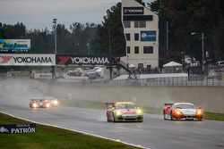 #45 Flying Lizard Motorsports Porsche 911 GT3 Cup: Nelson Canache, Spencer Pumpelly, Madison Snow e #23 Team West/ AJR/ Boardwalk Ferrari Ferrari F458 Italia: Bill Sweedler, Leh Keen, Johnny Mowlem