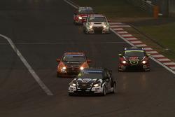 Rickard Rydell, Chevrolet Cruze 1.6 T, NIKA Racing AB e Norbert Michelisz, Honda Civic, Zengo Motorsport