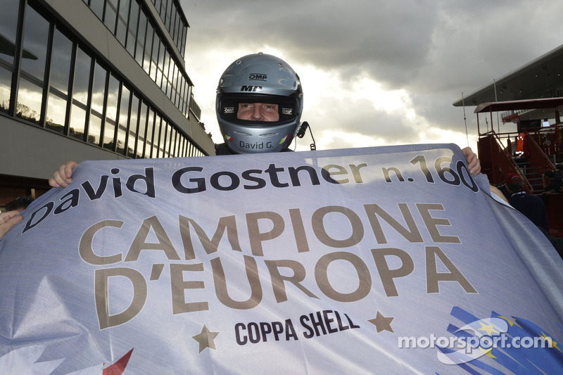 David Gostner viert zijn titel in de Europe Coppa Shell