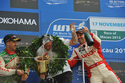Podium: winner Yvan Muller, Chevrolet Cruze 1.6T, RML, 2nd Tiago Monteiro, Honda Civic Super 2000 TC, Honda Racing Team Jas, 3rd Robert Huff, SEAT Leon WTCC, ALL-INKL.COM Munnich Motorsport