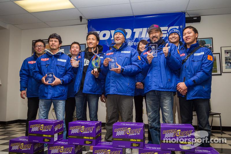 Klasse-winnaars #95 Team SPOON honda CR-Z: Naoki Hattori, Tatsuru Ichishima, Hidetoshi Mitsusada, Daijiro Yoshihara