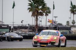 #73 Park Place Motorsports Porsche 911 GT Amerika: Patrick Lindsey, Kevin Estre, Connor De Phillippi, Jason Hart, Mike Vess